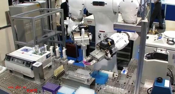 实验室机器人,能够有效的完成工作